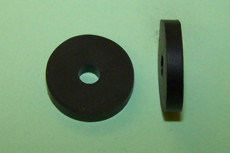Bresco Vehicle Services Limited Rubber Washer 17mm diameter, hole 4 ...